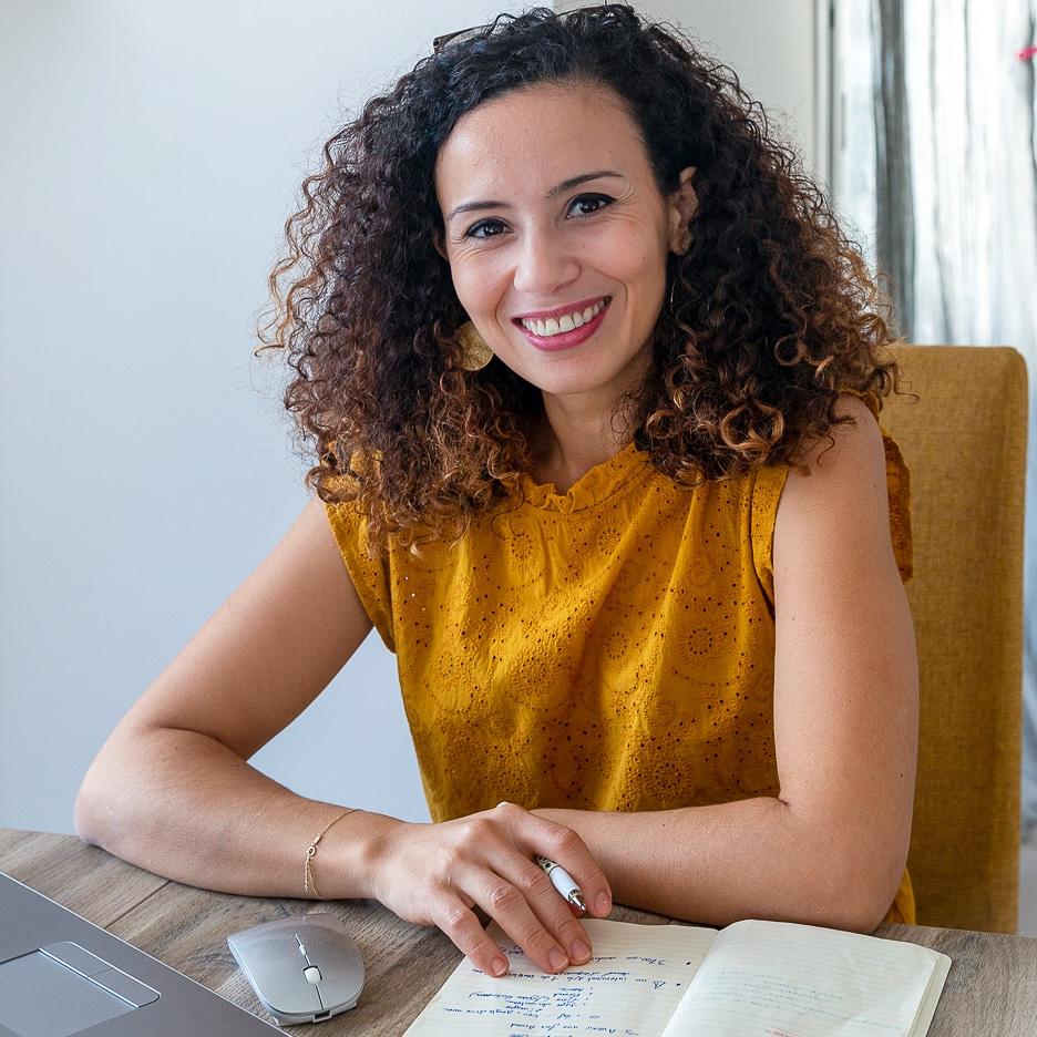Salma, social media manager freelance